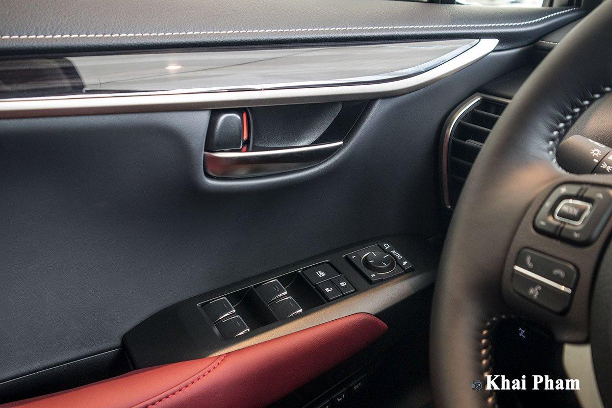 Ảnh nút bấm đèn xe Lexus NX 300 2020