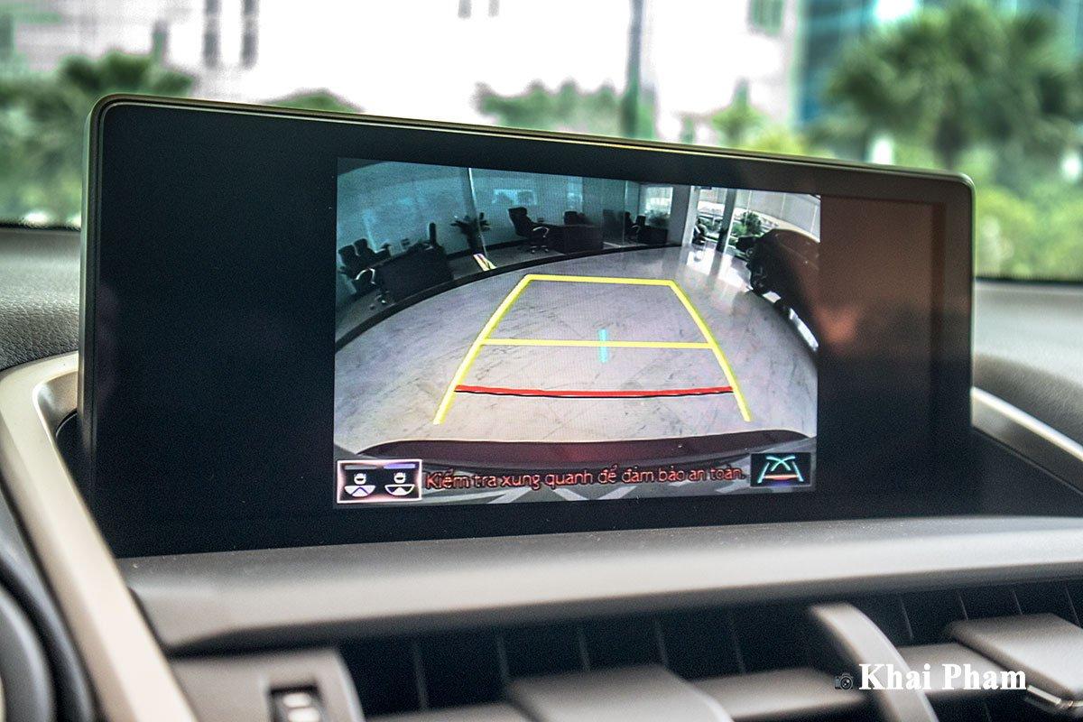 Ảnh camera lùi xe Lexus NX 300 2020