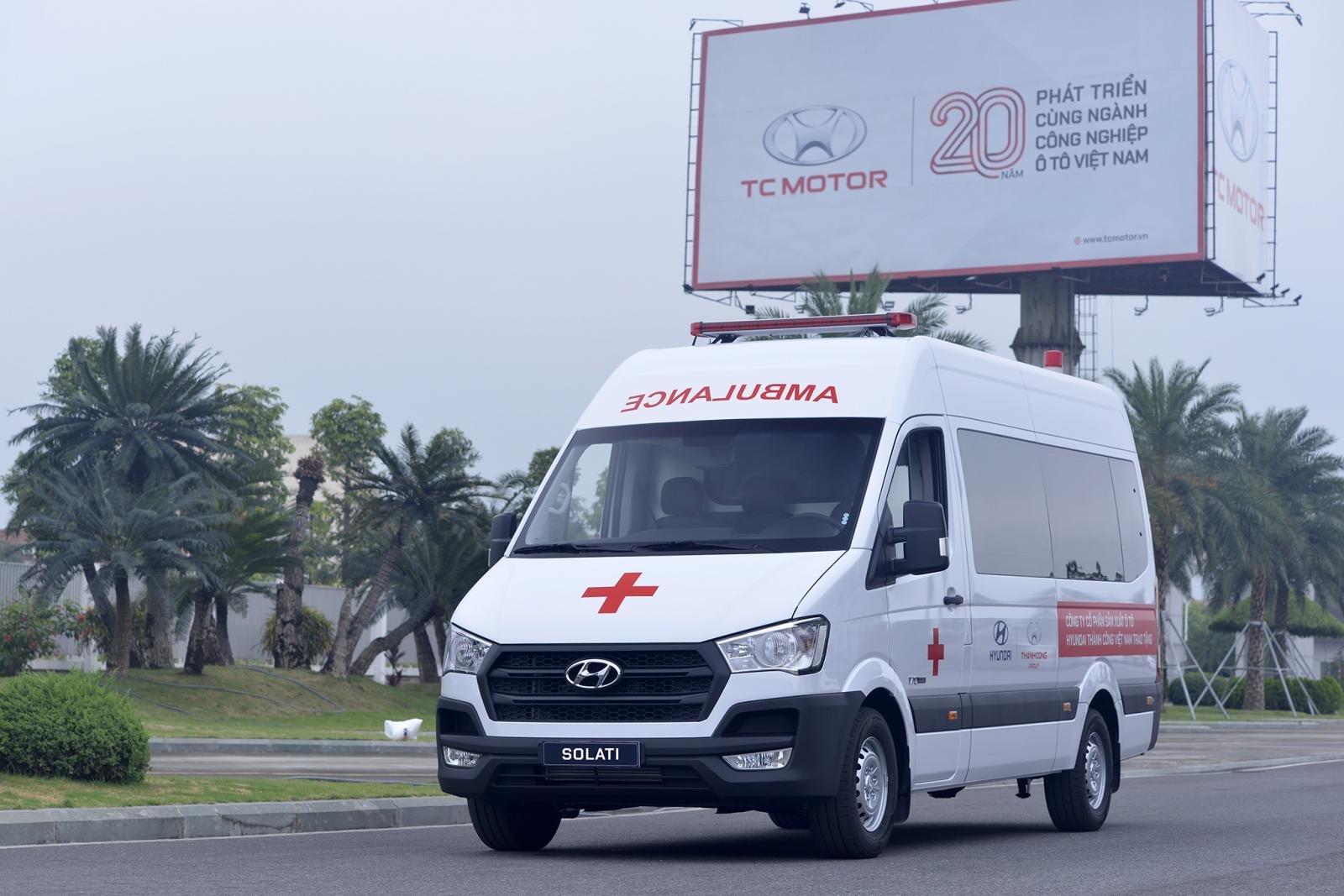 Hyundai tặng 10 xe Solati cho cơ sở y tế tuyến đầu chống dịch Covid-19 a2
