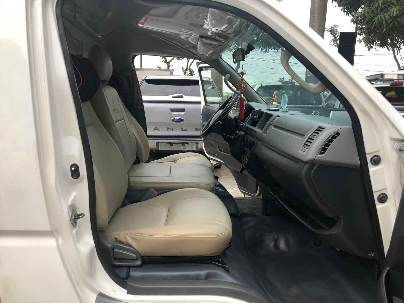 Bán xe Toyota Hiace tải Van 3 chỗ, máy dầu, đời 2010 (8)