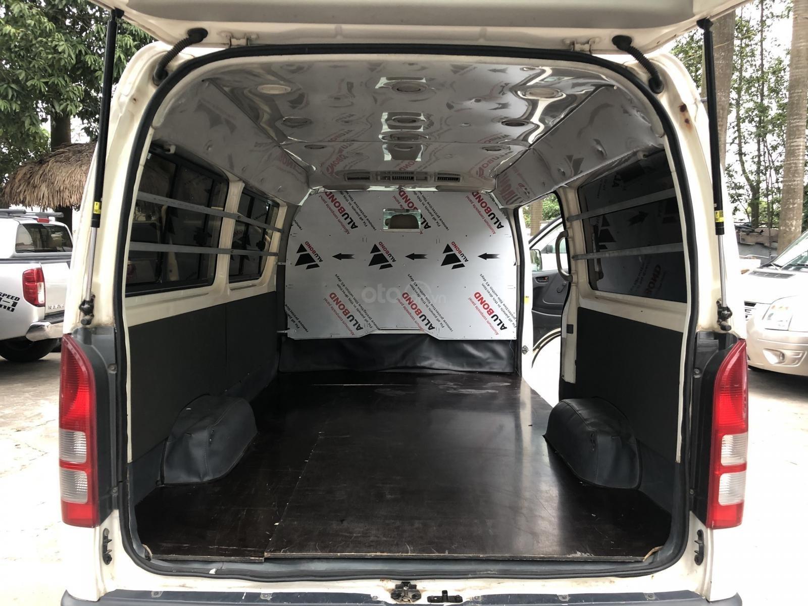 Bán xe Toyota Hiace tải Van 3 chỗ, máy dầu, đời 2010 (10)