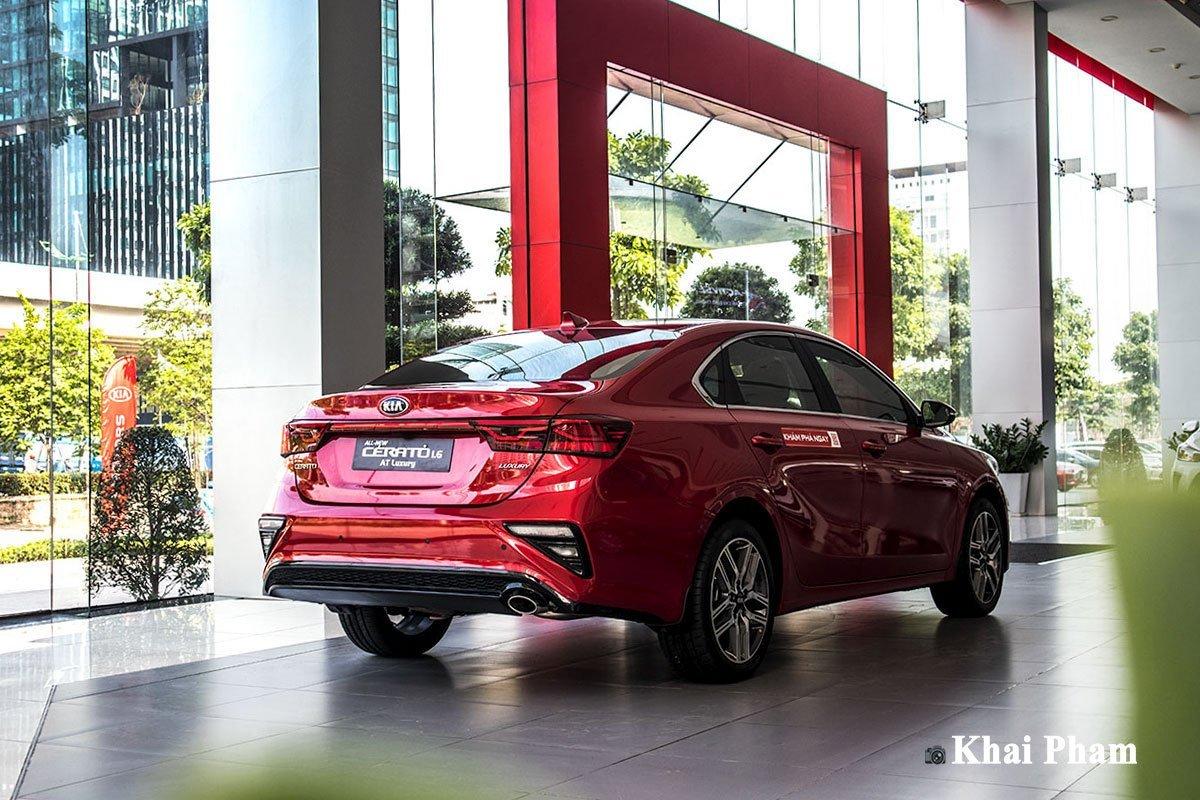 Phân khúc sedan hạng C tháng 4/2020: Kia Cerato đắt khách hơn Mazda 3...