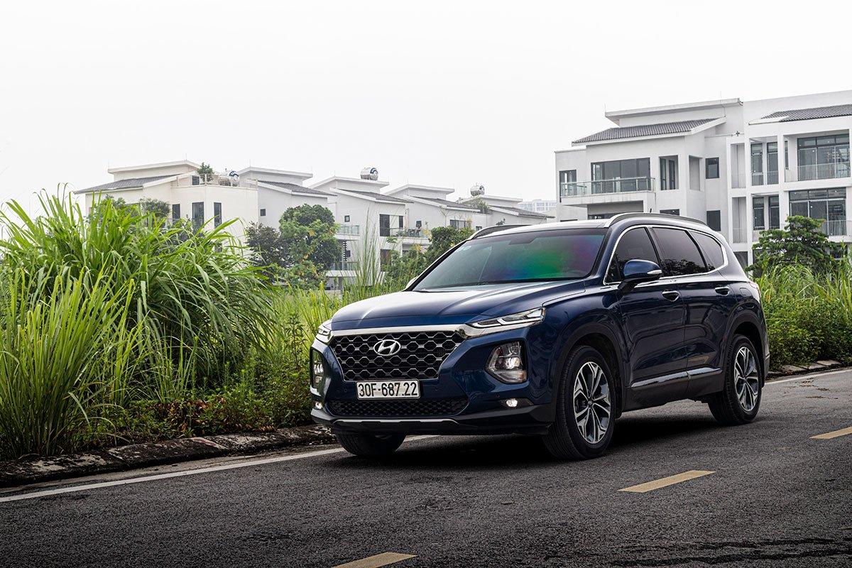 Hyundai SantaFe đang bán tại Việt Nam 1