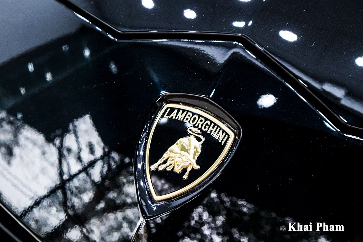 Ảnh logo xe Lamborghini Urus 2020