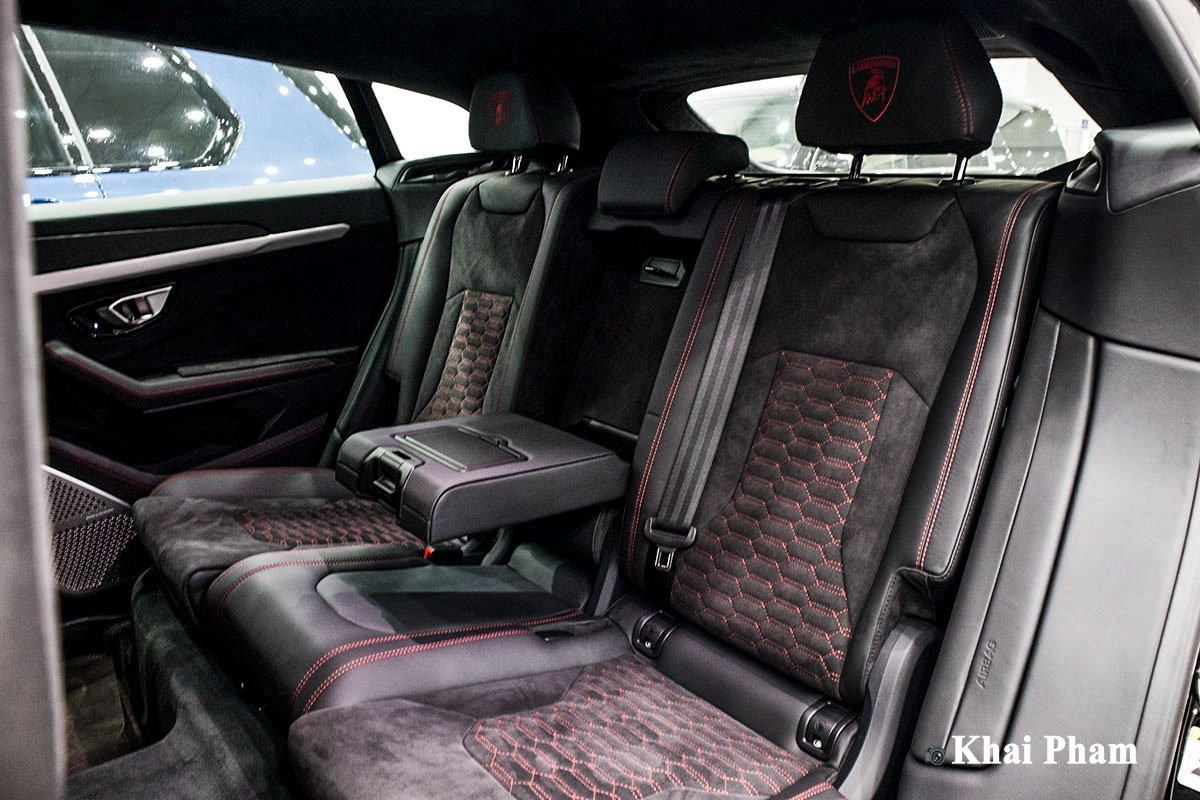 Ảnh Ghế sau xe Lamborghini Urus 2020