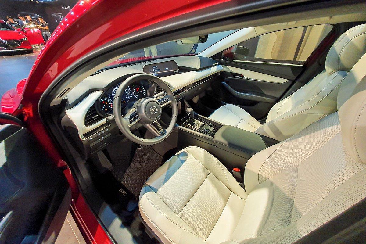 Ảnh Ghế lái xe Mazda 2020