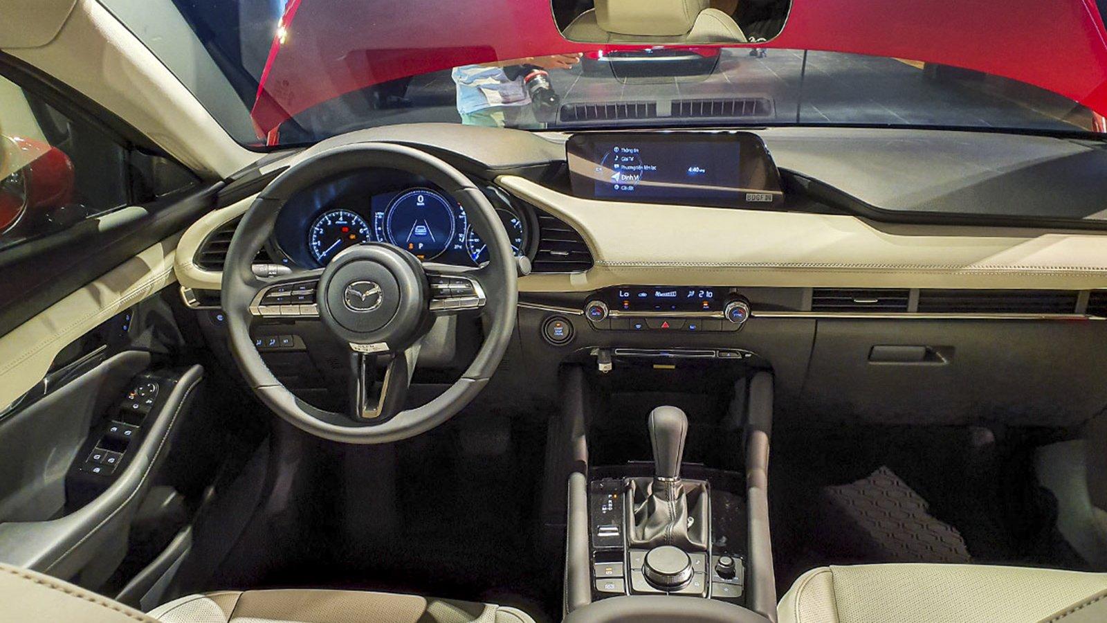 Ảnh táp-lô xe Mazda 2020
