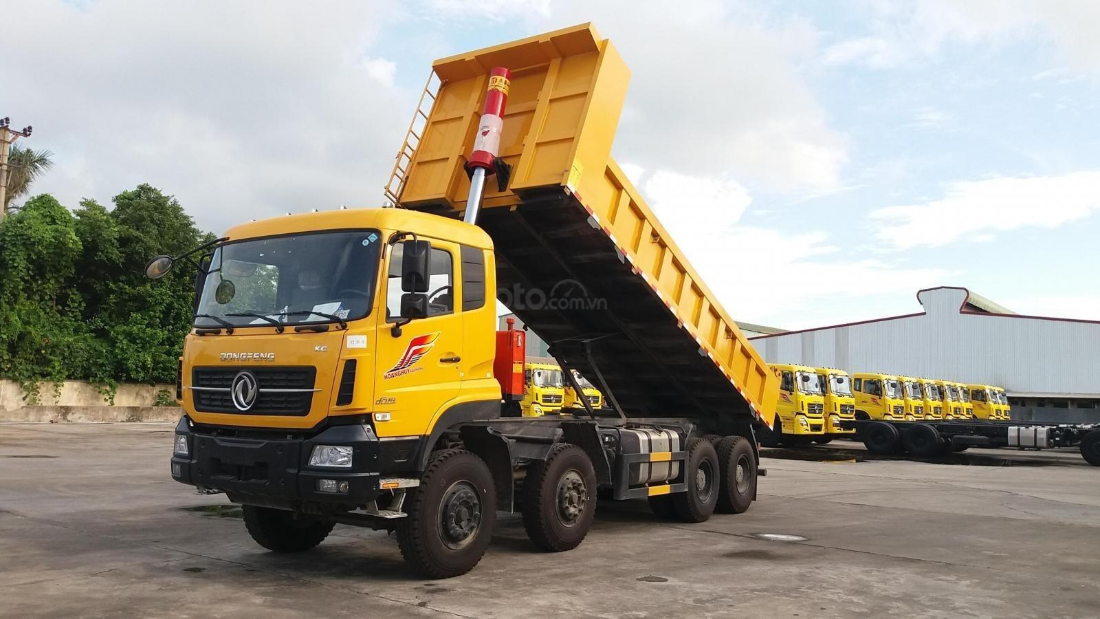 Cần bán nhanh chiếc xe tải Dongfeng 4 chân 300HP, sản xuất 2020, màu trắng (2)
