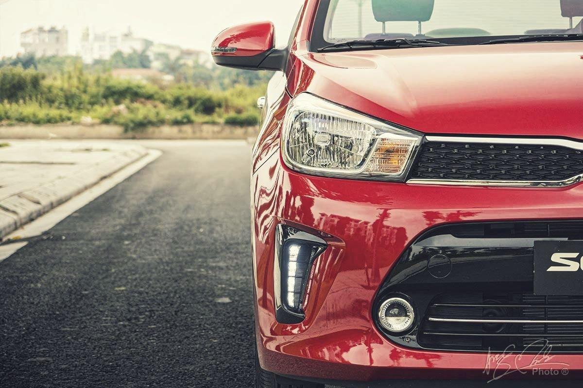 Đánh giá xe Kia Soluto AT Luxury 2020: Thiết kế đầu xe 1.