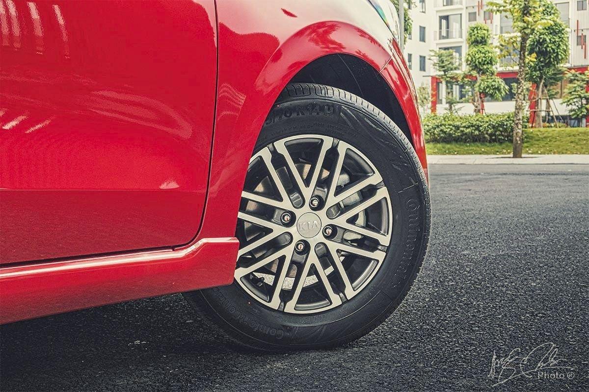 Đánh giá xe Kia Soluto AT Luxury 2020: La-zăng 14 inch.