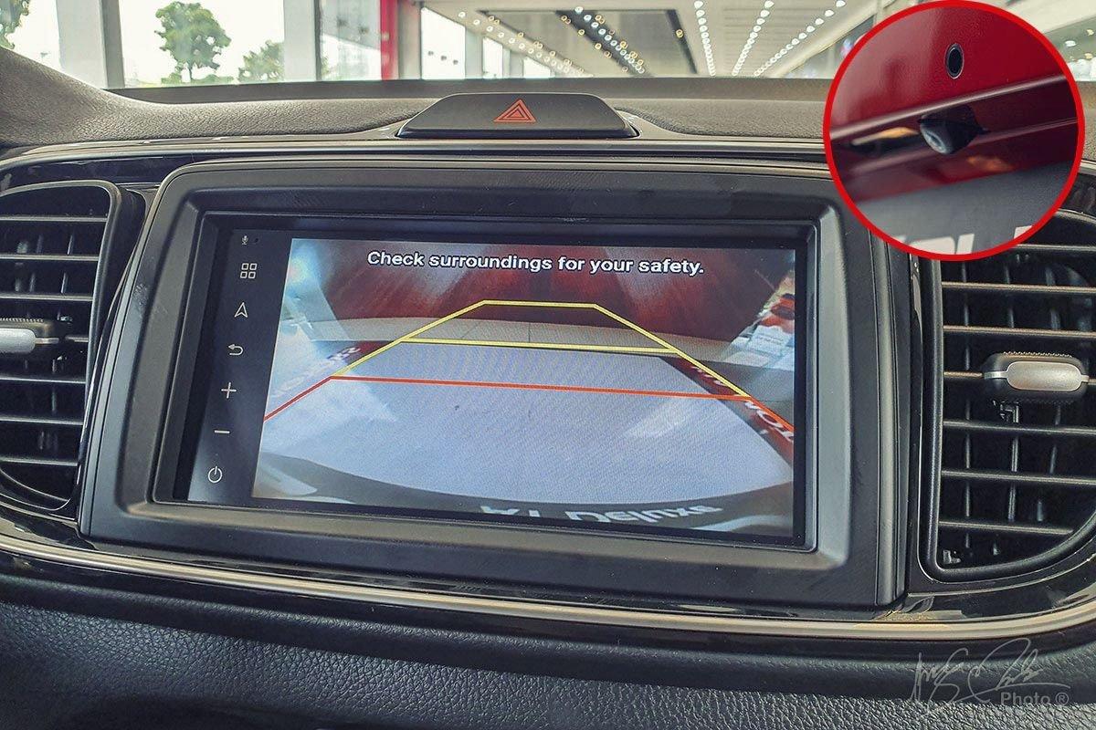 Đánh giá xe Kia Soluto AT Luxury 2020: Camera lùi.