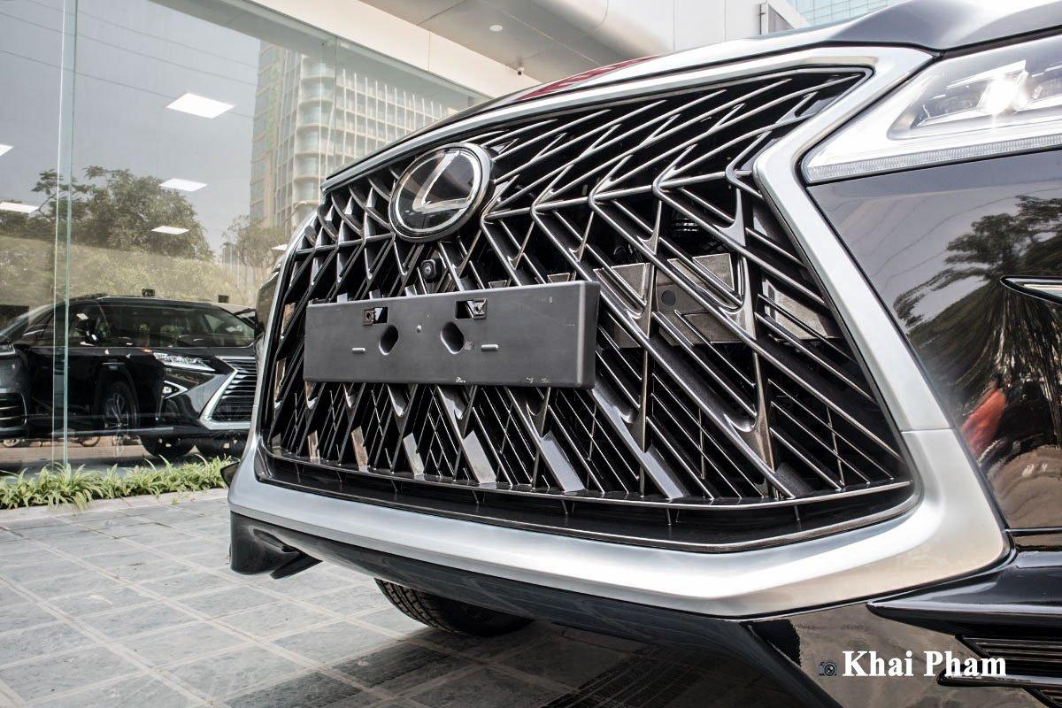 Ảnh lưới tản nhiệt xe Lexus LX570 Super Sport 2020