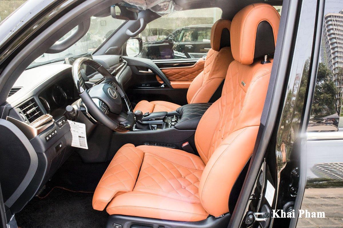 Ảnh ghế lái xe Lexus LX570 Super Sport 2020