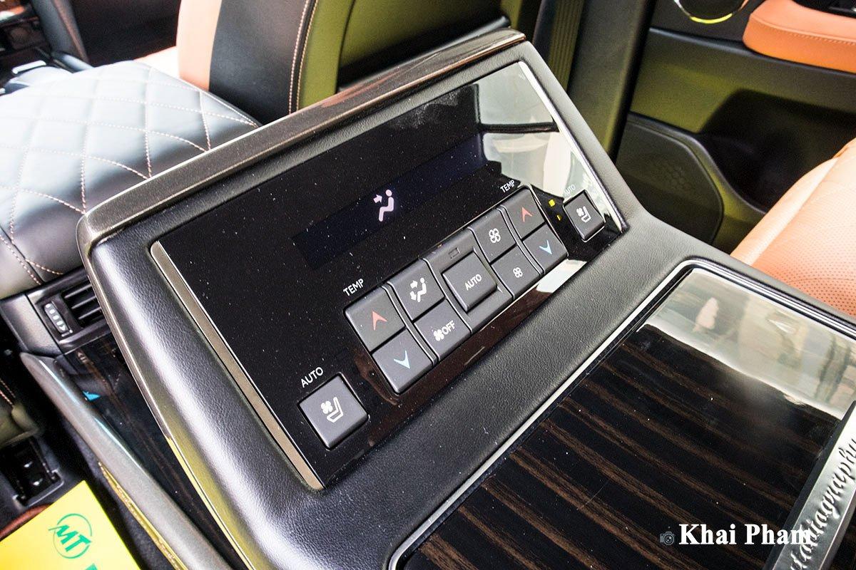 Ảnh ghế sau xe Lexus LX570 Super Sport 2020 q1f