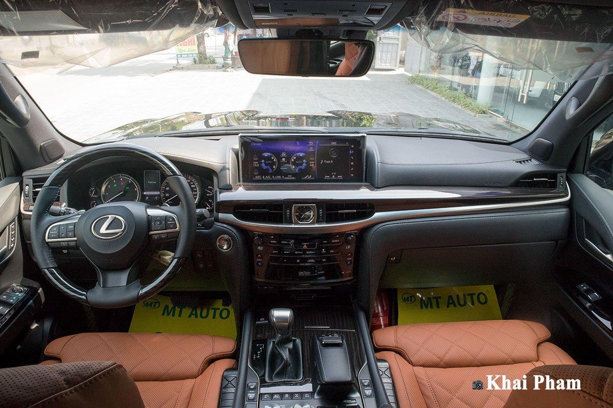 """Lexus LX570 Super Sport 2020 bản độ Trung Đông 4 ghế Vip MBS có gì mà """"nổi như cồn"""" ở Việt Nam? a2"""