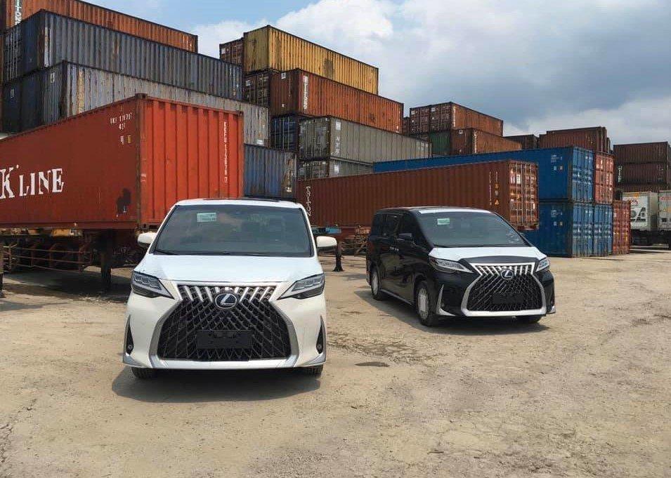 Khui công bộ đôi Lexus LM 300h 7 chỗ đầu tiên tại Việt Nam 1