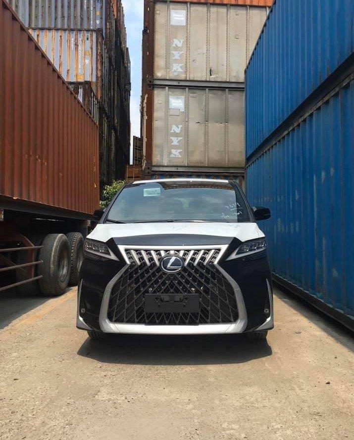 Khui công bộ đôi Lexus LM 300h 7 chỗ đầu tiên tại Việt Nam a2