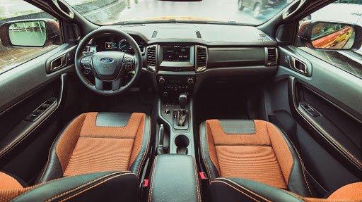 Nội thất xe Ford Ranger 2017