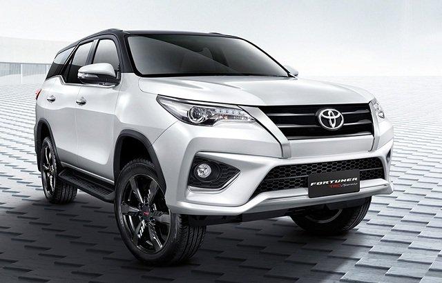 Ngoại thất xe Toyota Fortuner 2017