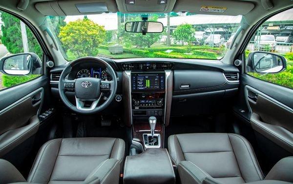 Nội thất xe Toyota Fortuner 2017
