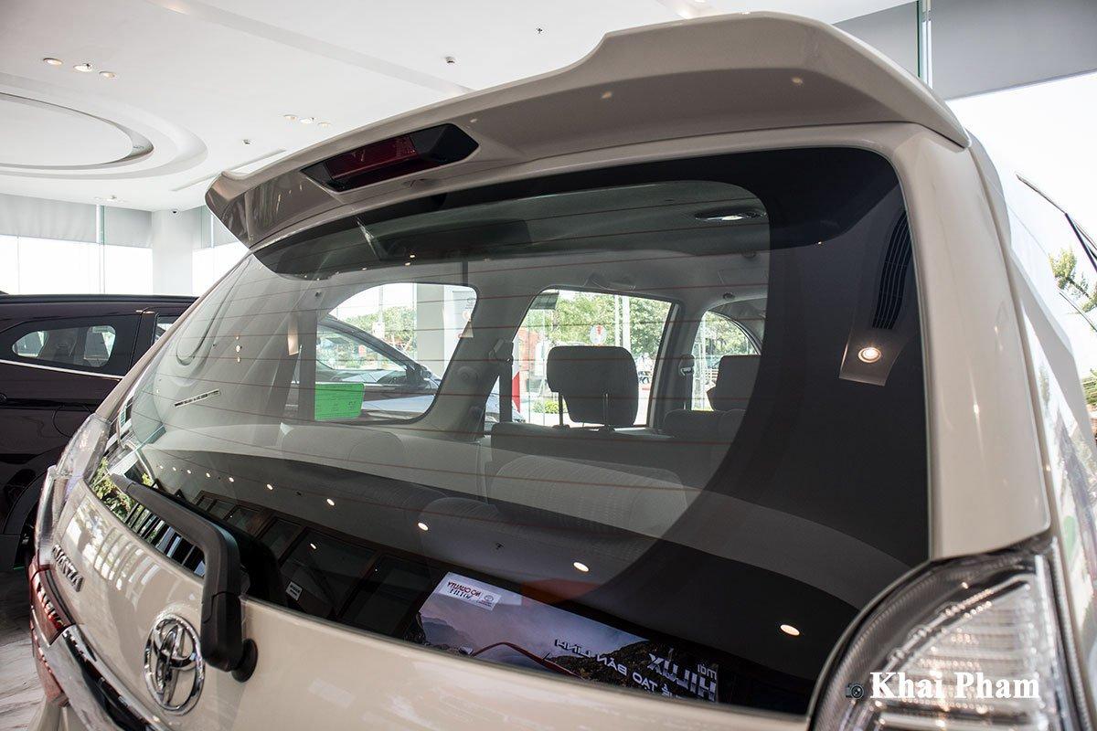 Ảnh Kính sau xe Toyota Avanza 2020 a1