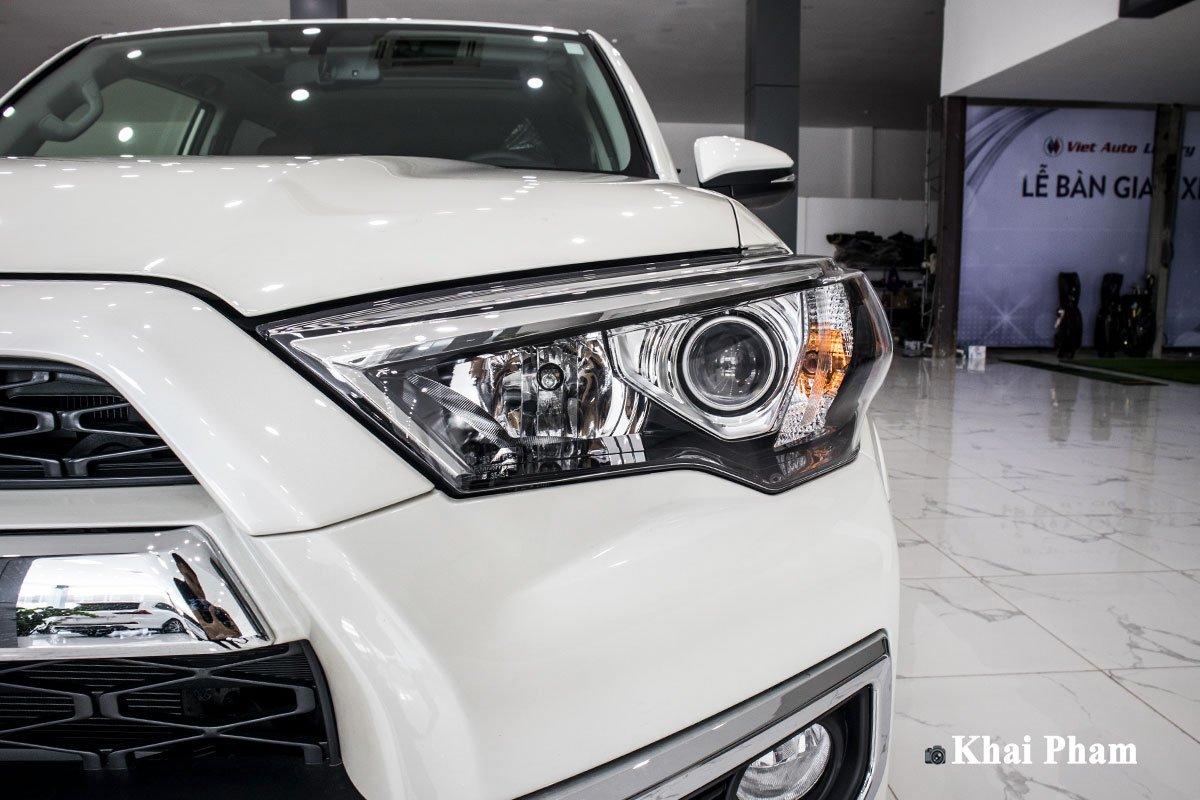 Ảnh đèn pha phải xe Toyota 4Runner Limited