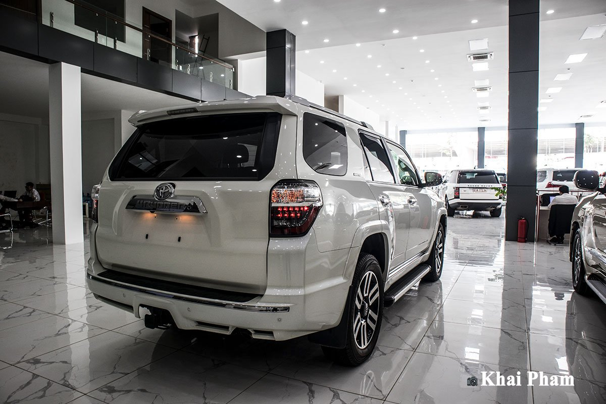 Khám phá xe Toyota 4Runner Limited nhập Mỹ tại Việt Nam, SUV đến từ Nhật nhưng đậm chất Mỹ a2