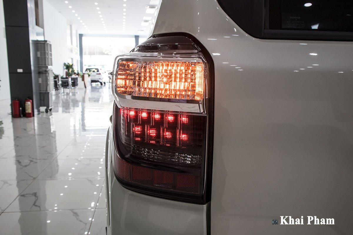 Ảnh đèn hậu trái xe Toyota 4Runner Limited
