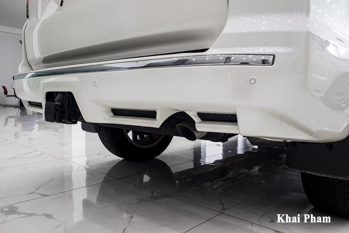 Ảnh cản sau xe Toyota 4Runner Limited