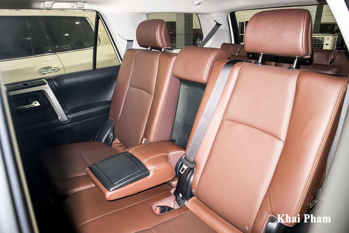 Ảnh ghế sau xe Toyota 4Runner Limited
