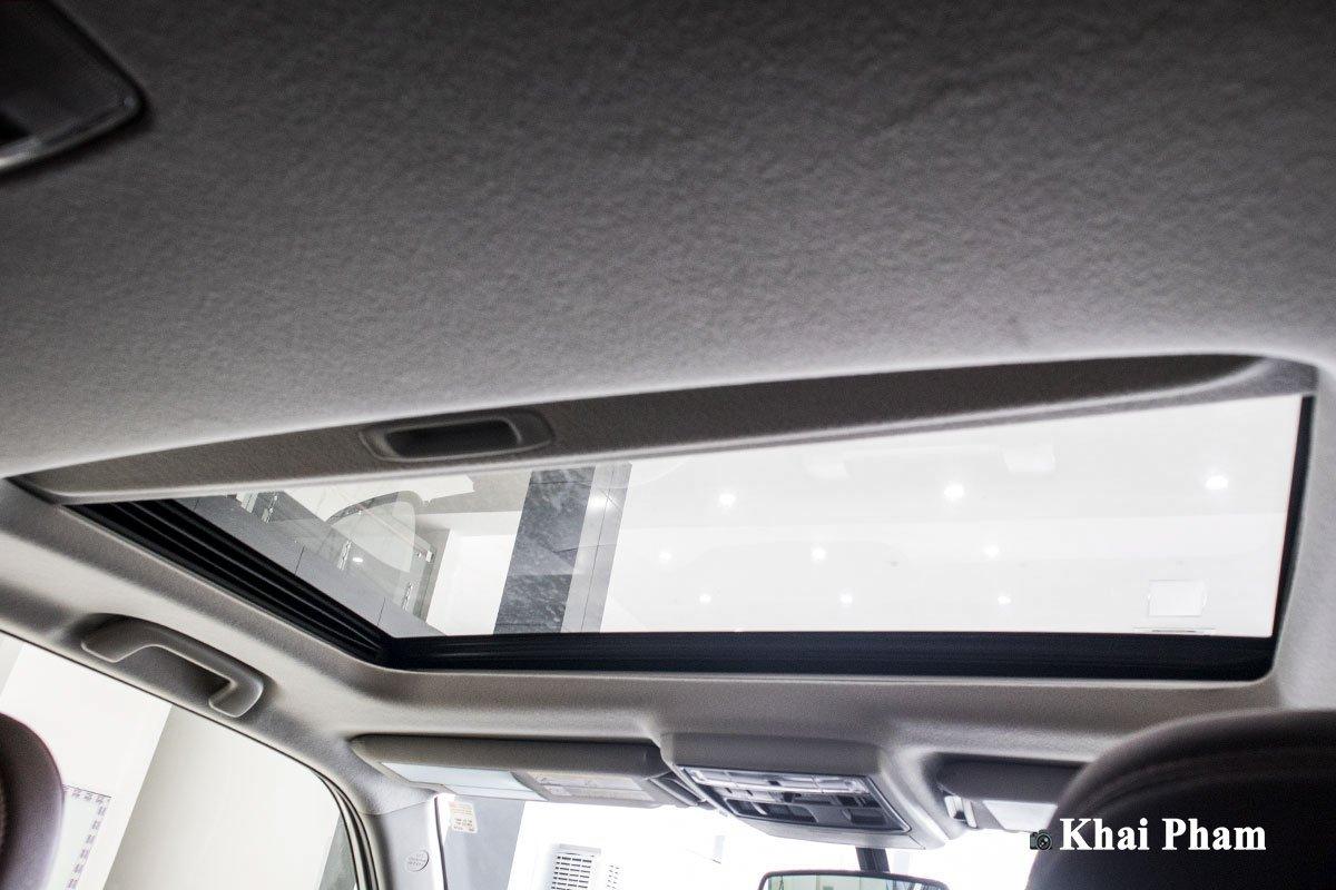 Ảnh cửa sổ trời xe Toyota 4Runner Limited