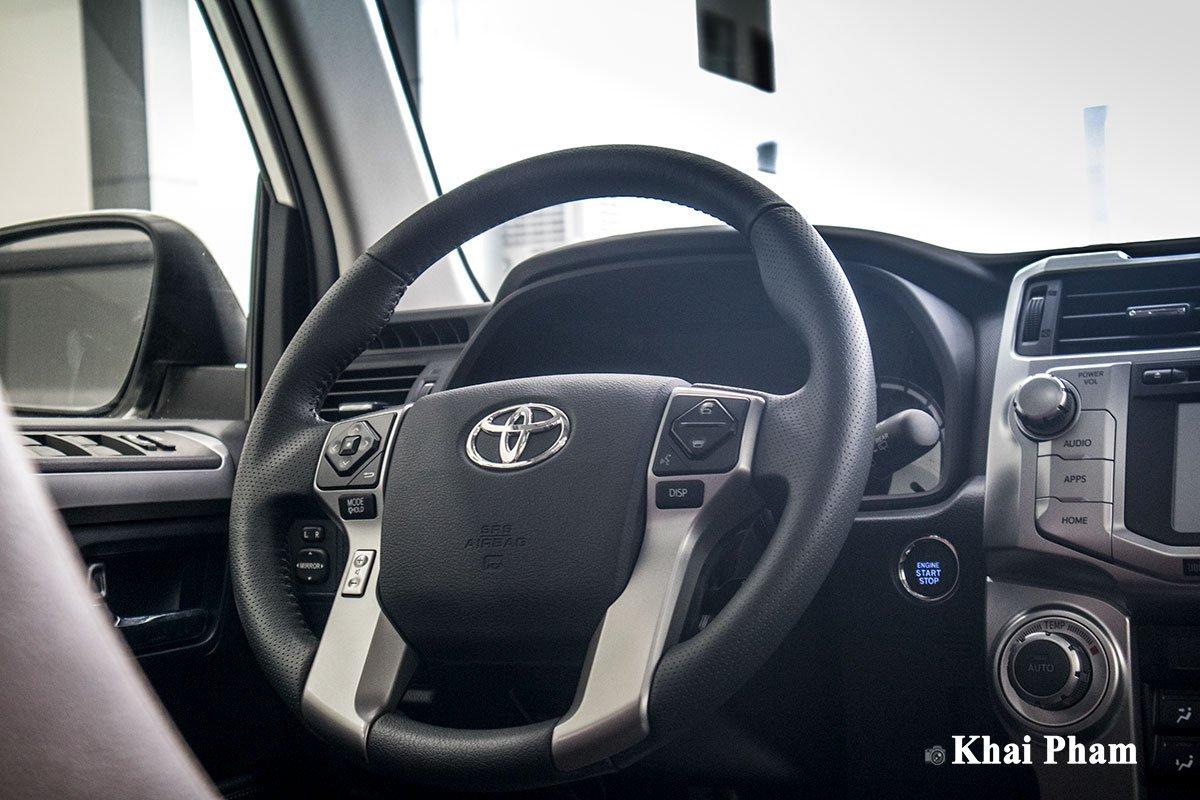 Ảnh vô-lăng xe Toyota 4Runner Limited