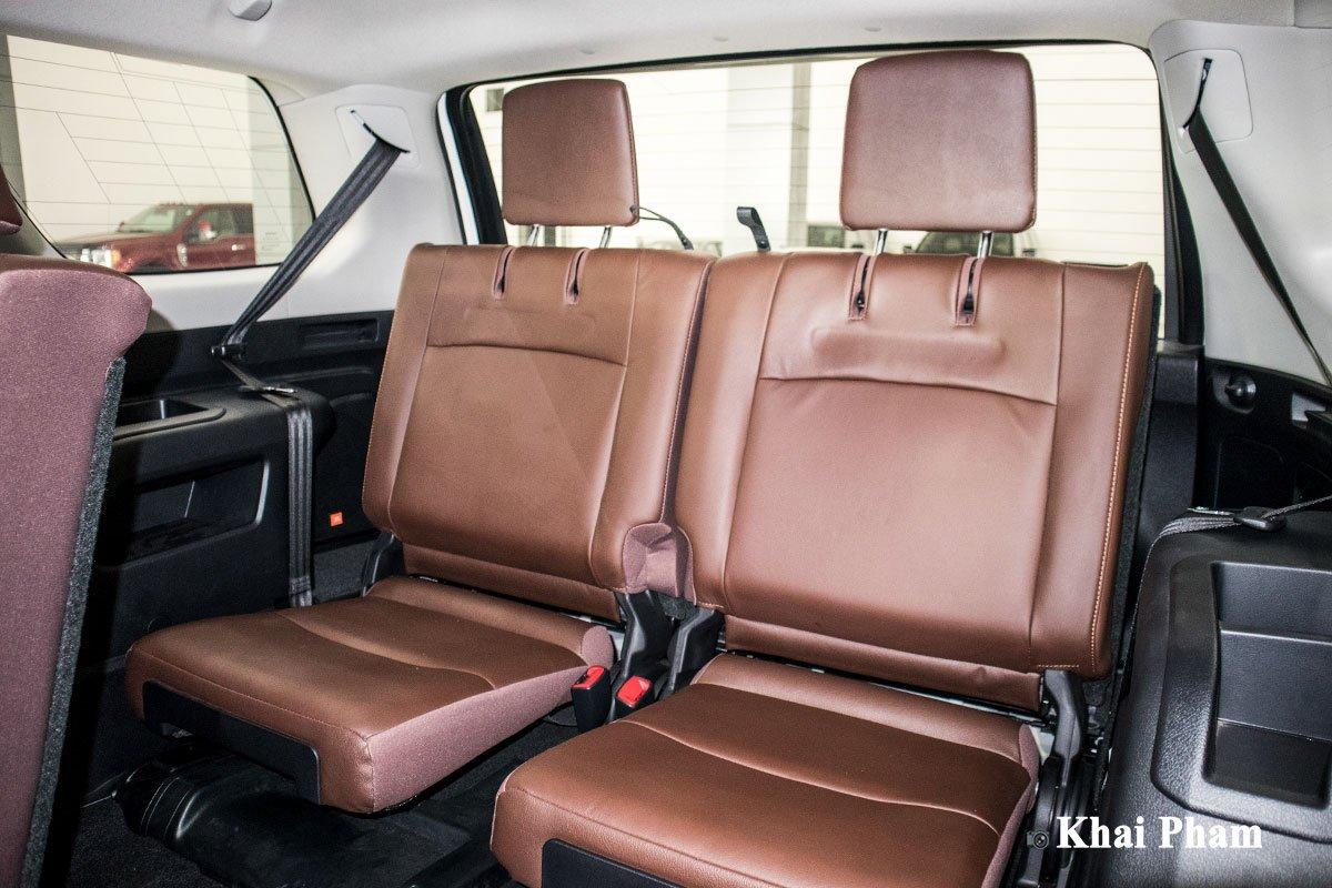 Ảnh ghế sau cuối xe Toyota 4Runner Limited a1