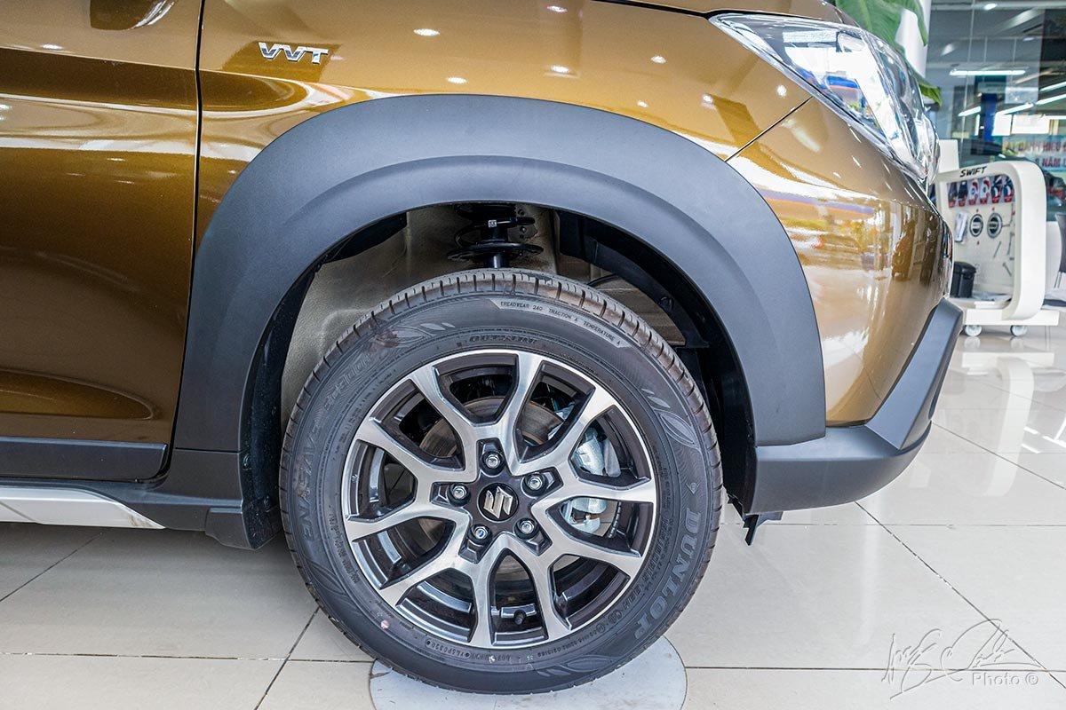 Đánh giá xe Suzuki XL7 2020: La-zăng kích thước 16 inch.