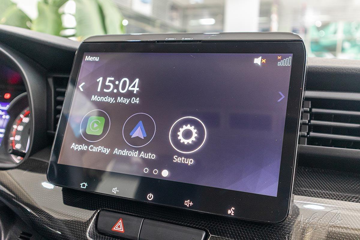 Đánh giá xe Suzuki XL7 2020: Màn hình cảm ứng 10 inch.