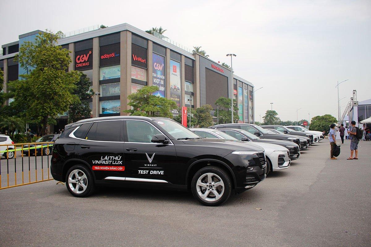 Khách hàng mua xe VinFast trả góp cũng được hưởng nhiều ưu đãi 1