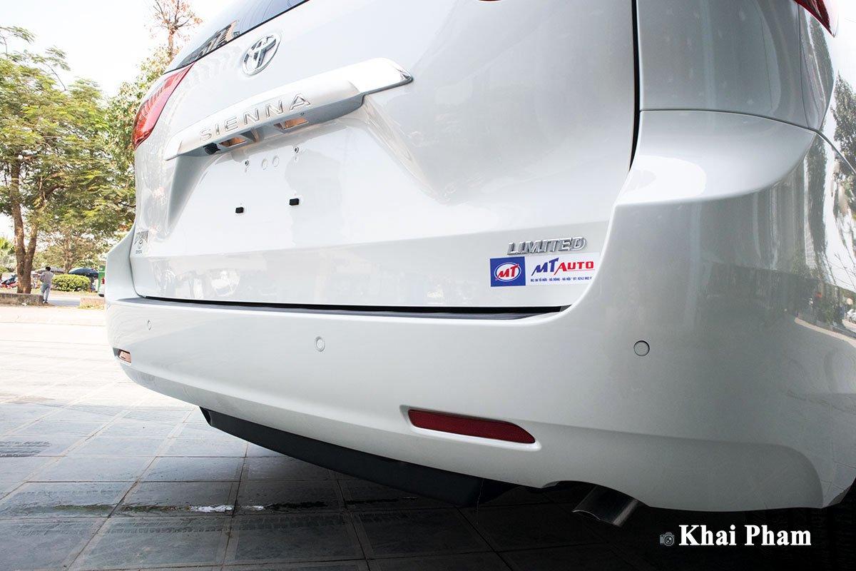 Ảnh cản sau xe Toyota Sienna 2020