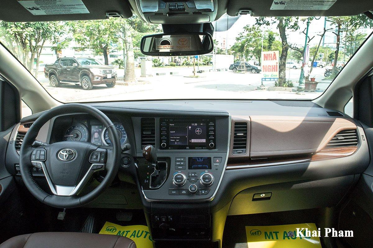 Ảnh khoang lái xe Toyota Sienna 2020