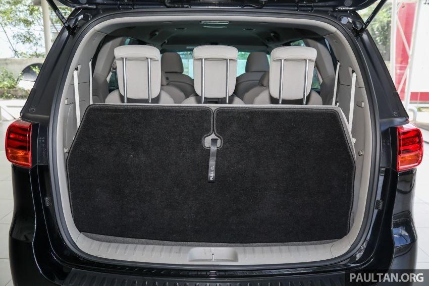 Kia Grand Sedona 2020 độ phục vụ cao.