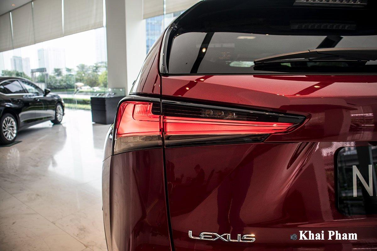 Ảnh Đèn hậu xe Lexus NX 300 2020