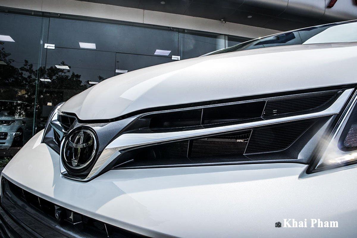 Ảnh lưới tản nhiệt xe Toyota Sienna 2020