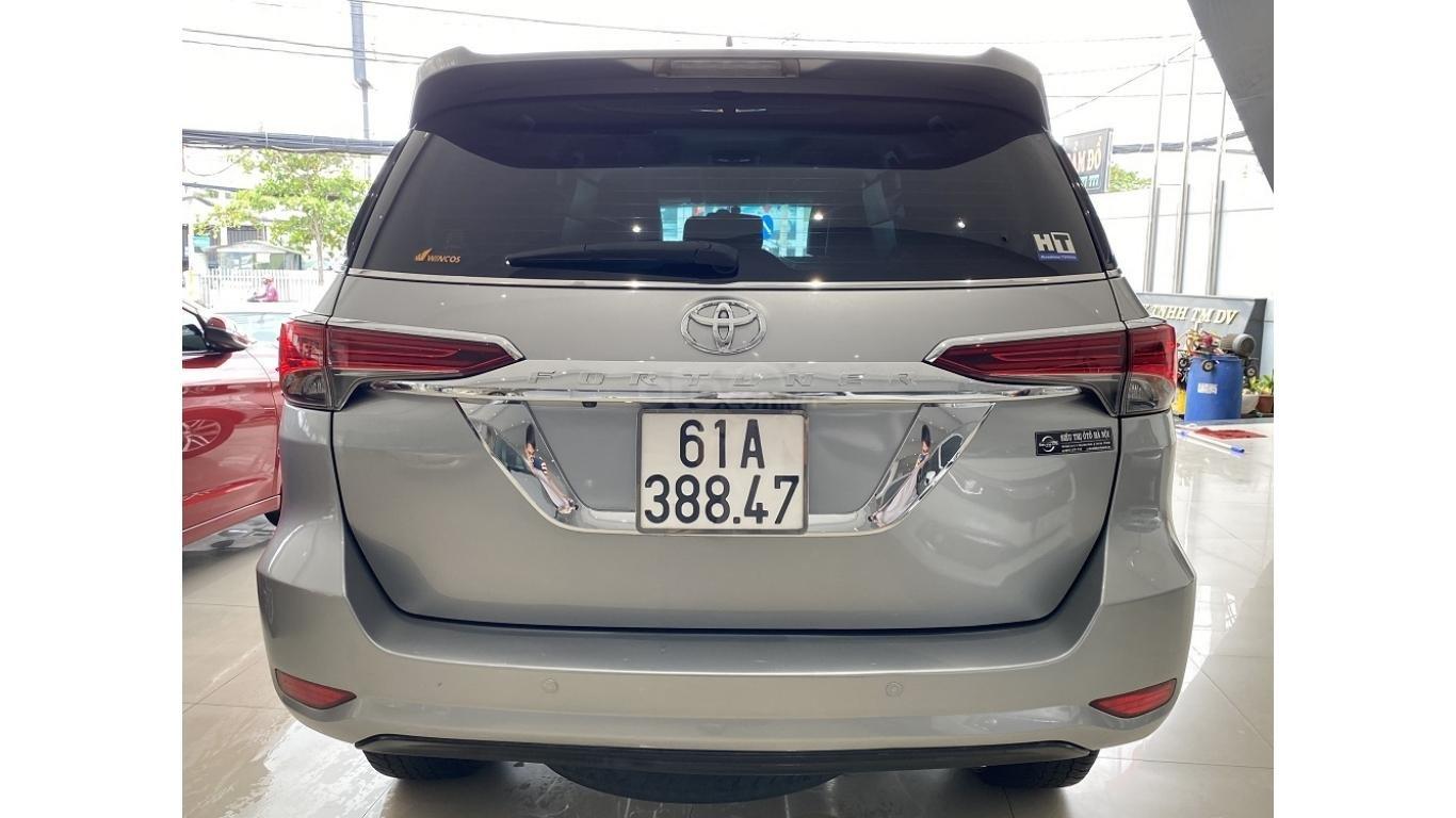 Bán xe Toyota Fortuner 2.7 V 4x4 2017, trả trước chỉ 280 triệu (6)