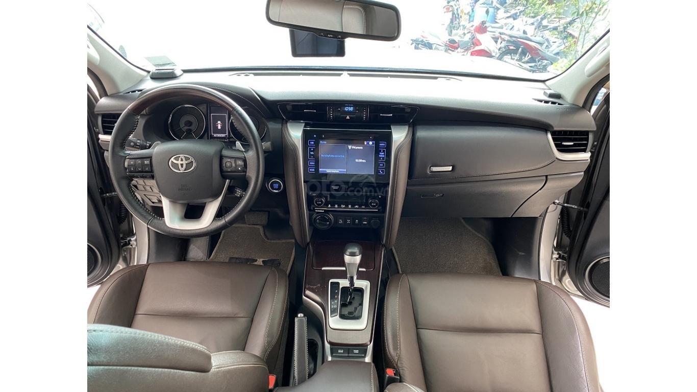 Bán xe Toyota Fortuner 2.7 V 4x4 2017, trả trước chỉ 280 triệu (8)