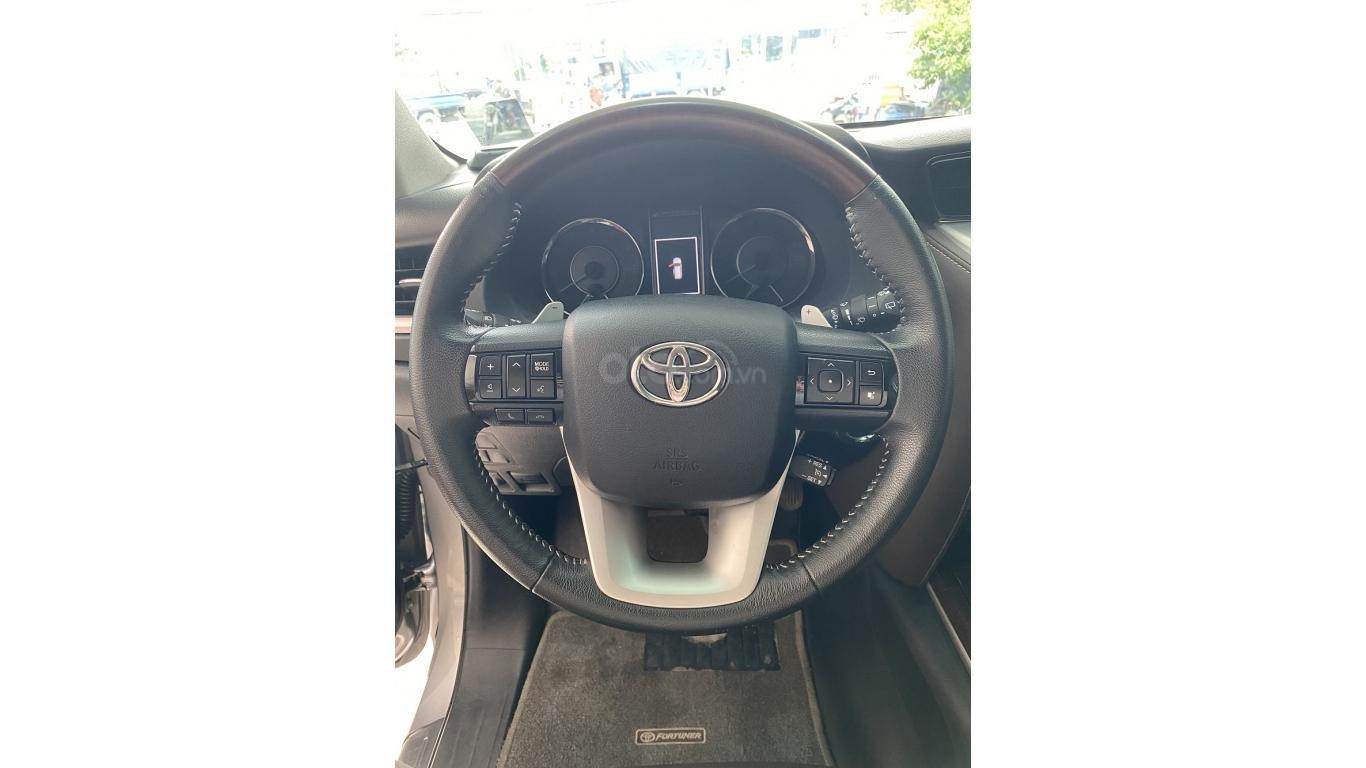 Bán xe Toyota Fortuner 2.7 V 4x4 2017, trả trước chỉ 280 triệu (10)