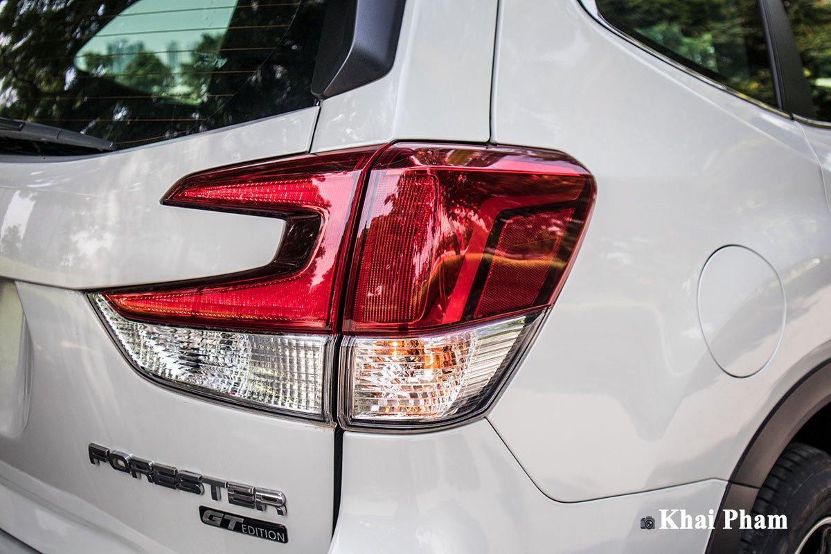 Ảnh đèn hậu phải xe Subaru Forester GT Edition 2020