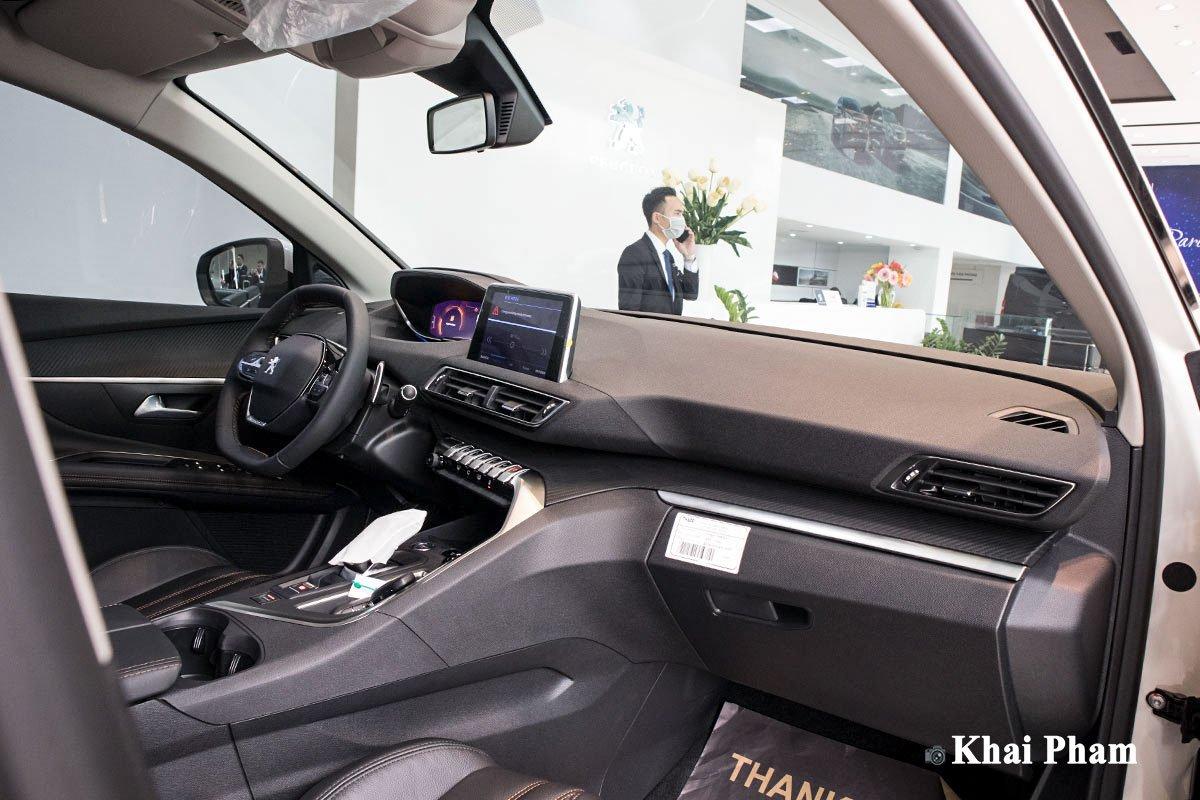 Ảnh Khoang lái xe Peugeot 3008 2020