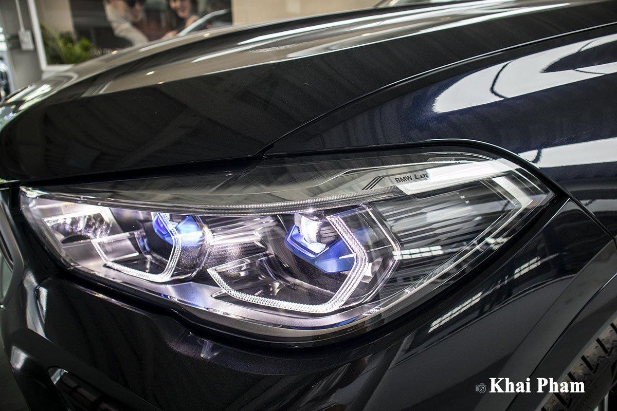 Ảnh đèn pha phải xe BMW X6 2020