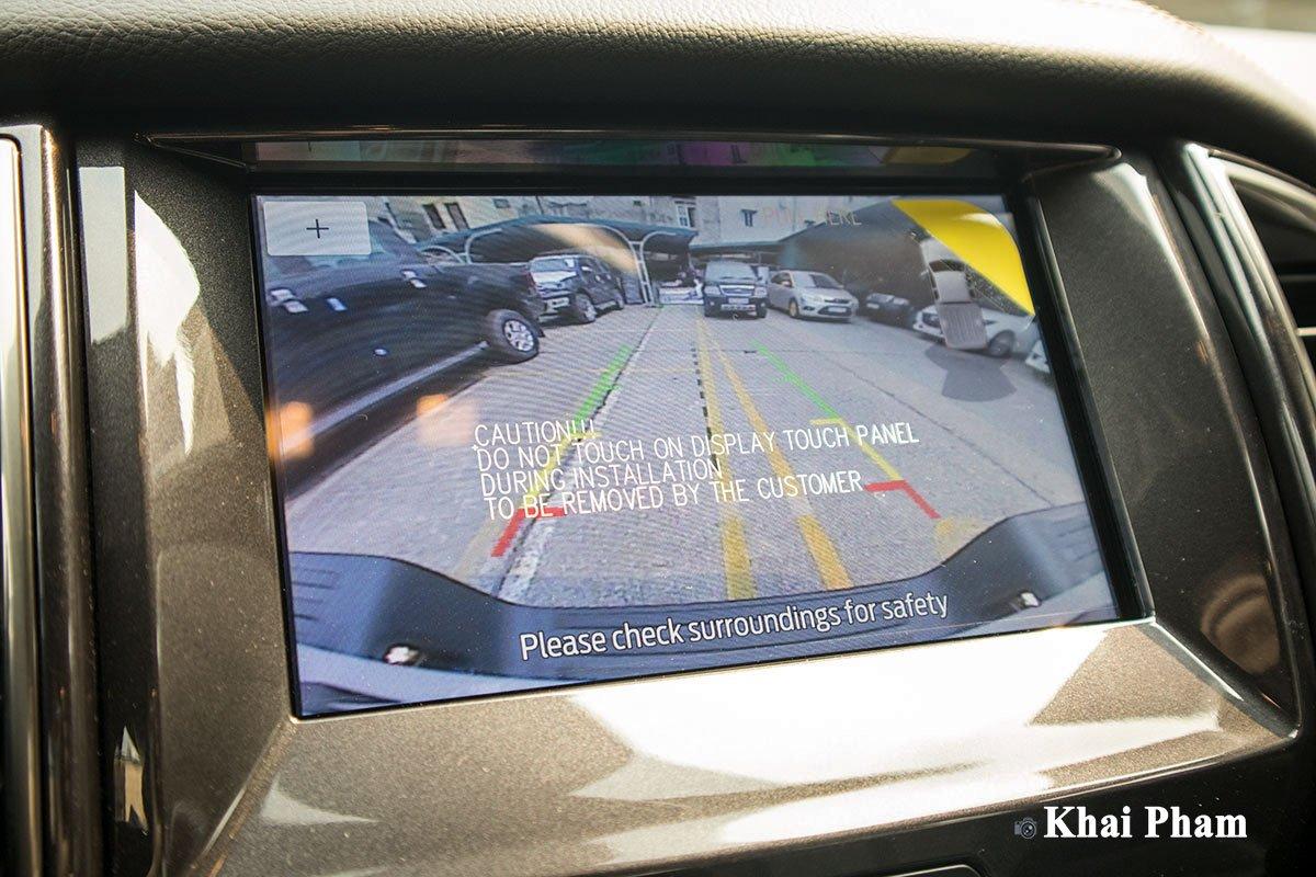 Ảnh Camera lùi xe Ford Ranger 2020