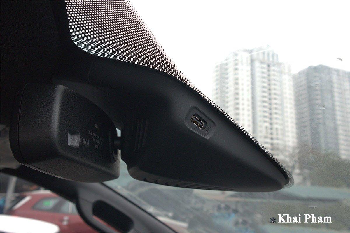 Ảnh Ổ cắm USB xe Ford Ranger 2020