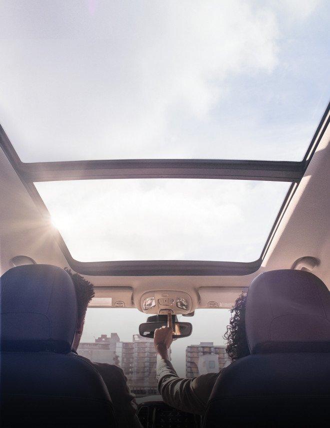 Crossover giá rẻ Jeep Compass 2020 rộng rãi, thoáng đãng và tiện dụng.